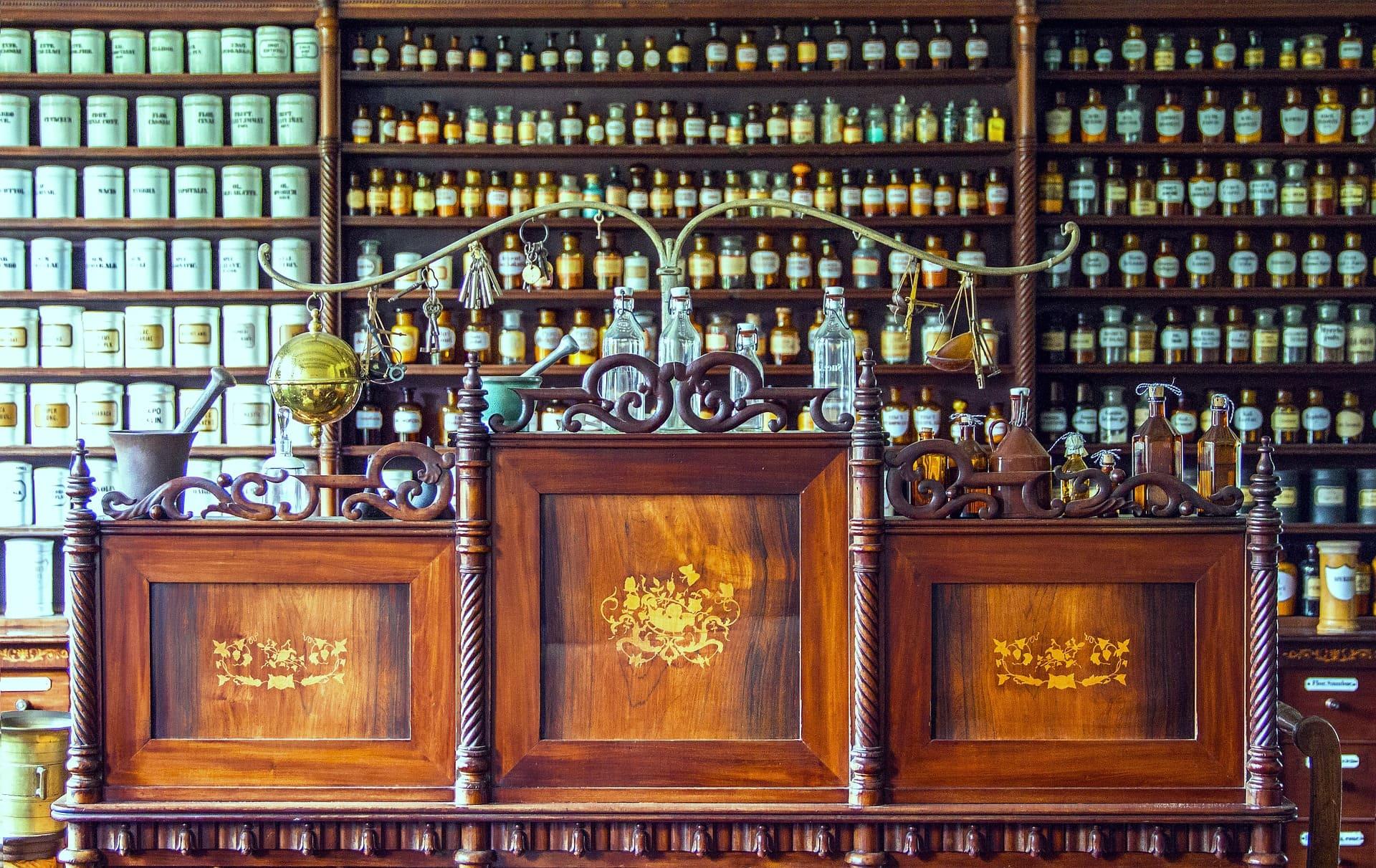 pharmacy-1507122_1920